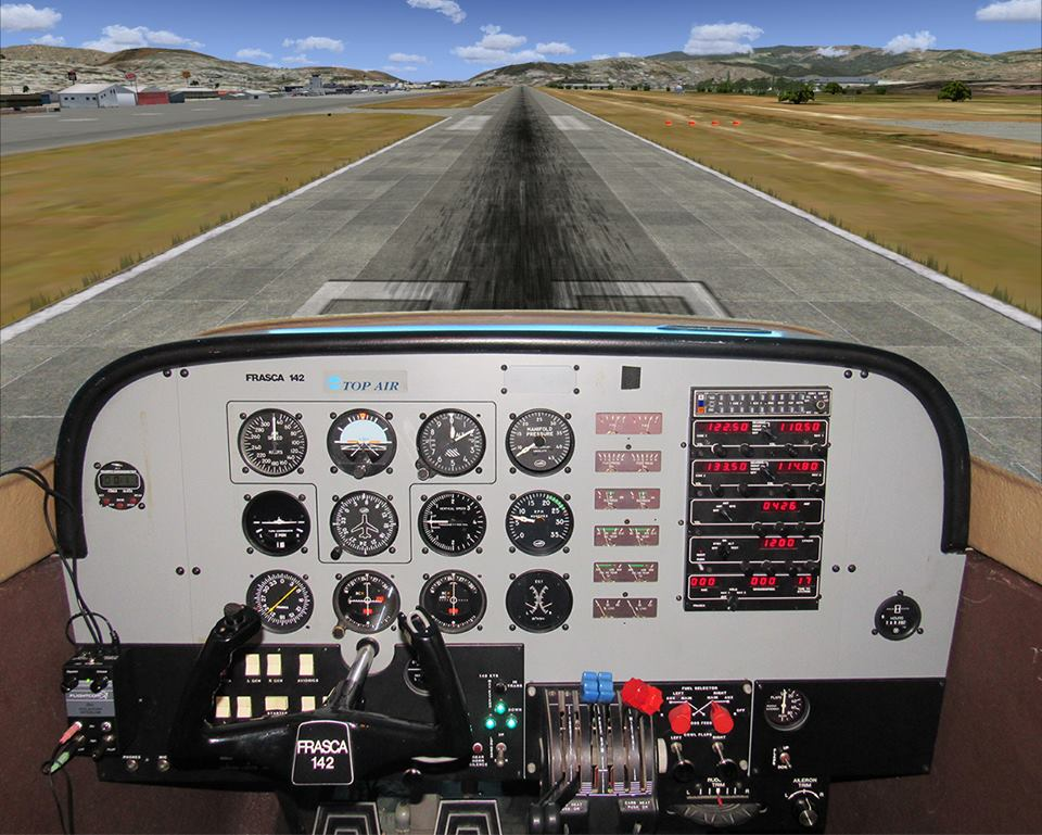 Piper PA-34 flight and navigation trainer